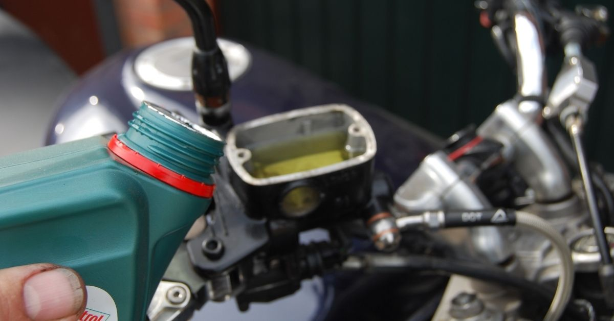 Expert Advice: Changing Brake Fluid - How to do it and why
